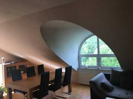 Gepflegte 2-Zimmer-Wohnung mit Balkon in Freudenberg / Blick in Grüne