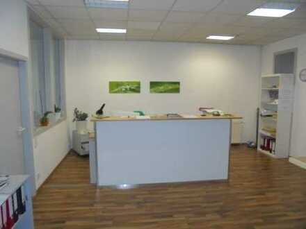 Büro und Praxisflächen