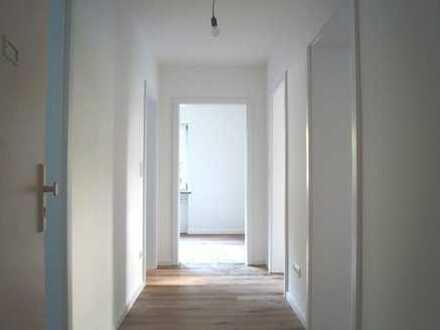 living smart - Modernisierte 3-Zimmer-Wohnung mit Balkon in Baldham