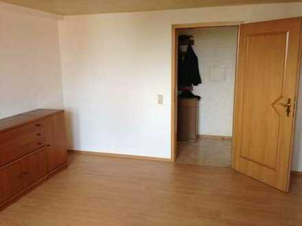 Helles Zimmer in großer WG