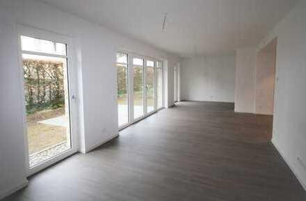 Komfortable 3-Zimmer-Erdgeschosswohnung mit Gartenstück und PKW-Stellplatz