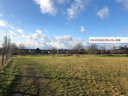 IMMOBERLIN: Grandioses Baugrundstück am Golfplatz Motzener See