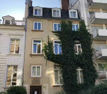 Gemütliche 2,5-Zimmer-Wohnung mit Kamin im begehrten Westend-Süd