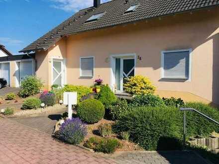 Wunderschöne Eigentumswohnung in 3 Familienhaus in Stennweiler