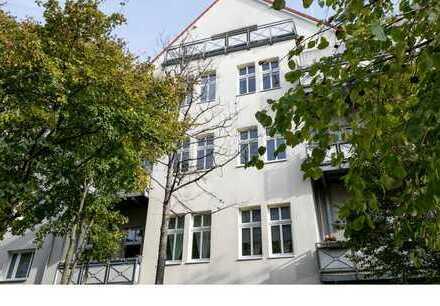 3 Zimmer im Altbau mit West-Balkon in ruhiger, grüner Lage von Treptow