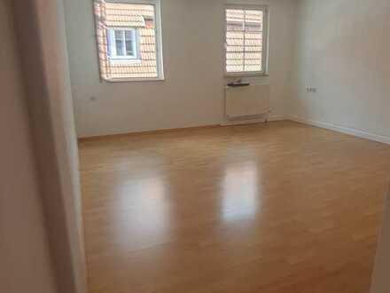 2 Zimmer Altbauwohnung zentral in Nürtingen