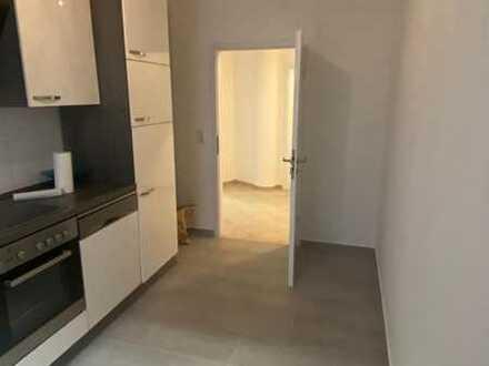 Neu renovierte 4,5 Zimmer Wohnung, Küche, möbiliert, WG geeignet