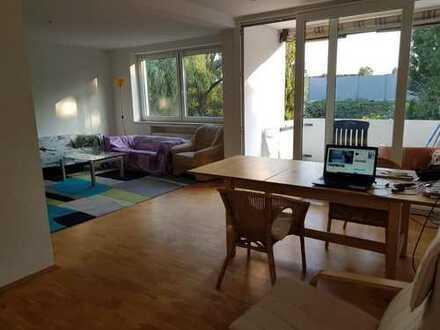 Mitbewohner/in für schönes 16 qm Zimmer gesucht