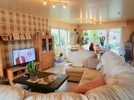 Freistehendes Einfamilienhaus mit Einliegerwohnung in schöner Aussichtslage