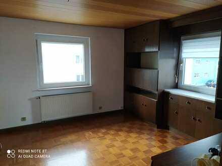 Gepflegte 2-Zimmer-Wohnung mit Einbauküche in Pfalzgrafenweiler