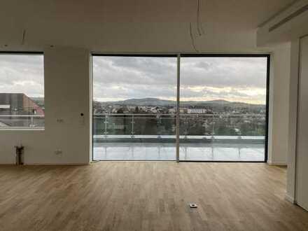 Aufzug direkt in die Wohnung, 30 qm Terrasse im Penthouse Stil