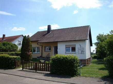 NEU! Freistehendes EFH mit 4-5 ZKB Garage und 722 m² Grundstück in Feldrandlage zu verkaufen!