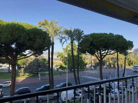 Cannes 1. Reihe Croisette mit Panoramablick