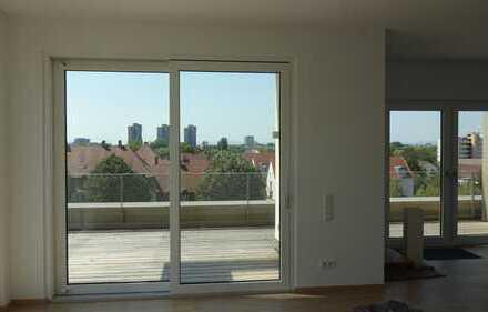 Erstbezug: 4-Zimmer-Penthouse-Wohnung mit großer Dachterrasse in MH zentrumsnah