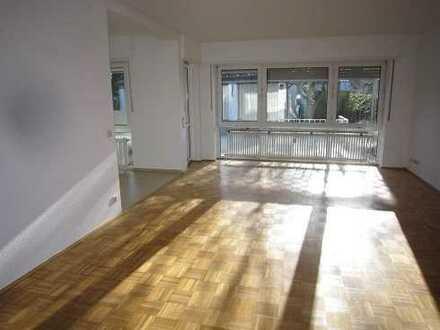 Sehr großzügige 2-Zimmer-Erdgeschoßwohnung mit Wintergarten und Terrasse