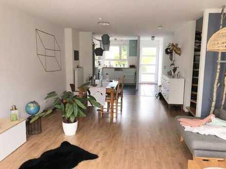 Schöne Doppelhaushälfte in idyllischer Lage mit großem Garten / Baden-Baden Oos