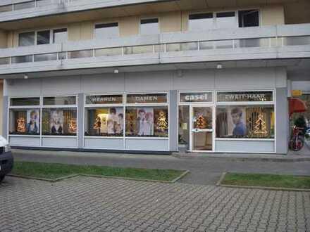 Aktuell ein Ladenlokal, Baugenehmigung für 3 Apartments liegt vor.