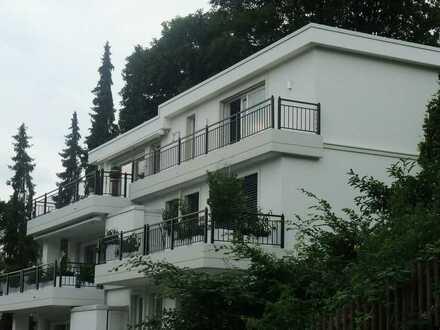 Repräsentative und sehr schicke Penthouse-Wohnung am Unterbacher See