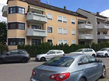 Schöne ruhig gelegen Gartenwohnung mit 3 ZKB u. sep. WC mit Fenster in Lechhausen beim Schlößle