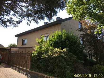 Doppelhaushälfte 6-ZKB (160,7m²) in Top-Lage (Esterfeld) ab 08.19 zu vermieten