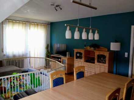 Exklusive, gepflegte 3-Zimmer-DG-Wohnung mit Balkon und EBK in Stuttgart