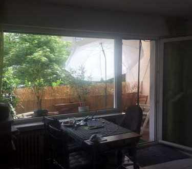 Gepflegte 2-Zimmer-Hochparterre-Wohnung mit Balkon in Kürten Dürscheid