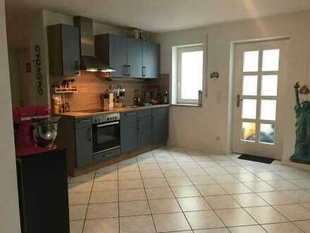 Gepflegte 2-Zimmer-Wohnung im KG mit EBK in Neubiberg