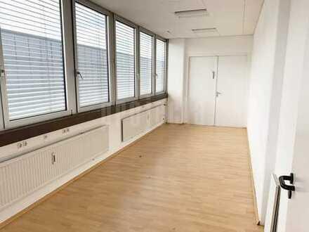 p r o j e c t a - AB SOFORT - 260 m² - EUR 1.400
