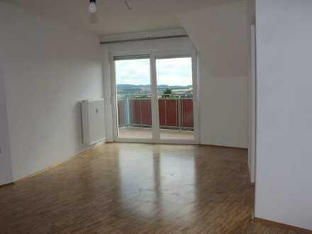 Attraktive 2-Zimmer-Senioren Dachgeschosswohnung in Neuhof