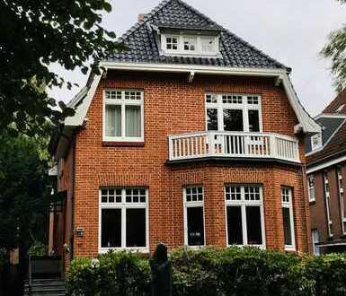Herrschaftliche Villa mit 25m Schwimmbad - Lübecks 1 A Lage