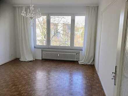 Helle, elegante 3-Zimmerwohnung mit EBK und Balkon in Düsseltal/Grafenberg