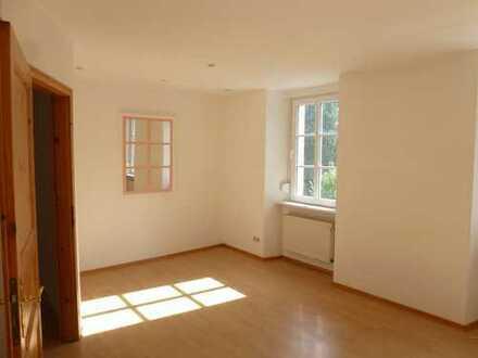 Günstige 3-Zimmer-EG-Wohnung mit EBK in Olsbrücken