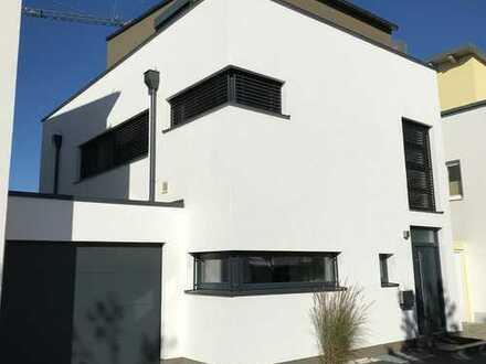Provisionsfrei: großzügiges & elegantes Haus