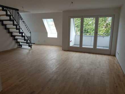 Erstbezug: ansprechende 2,5-Zimmer-Maisonette-Wohnung mit Einbauküche und Balkon in Wurmlingen