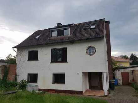 Mehrfamilienhaus mit sechs Zimmern in Offenbach (Kreis), Hainburg