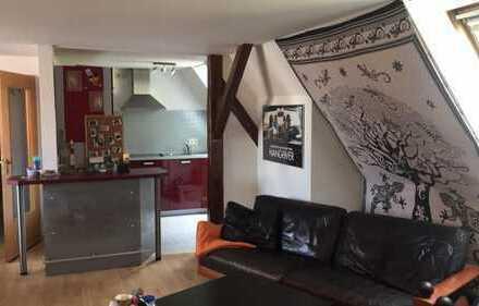 Gepflegte 2-Zimmer-DG-Wohnung mit EBK in Aichach