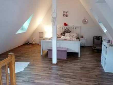 Gepflegte 2-Raum-Maisonette-Wohnung mit Einbauküche in Neckarsteinach