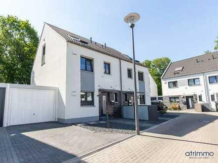 Ein Zuhause mit zukunftsfähiger Ausstattung:  Doppelhaushälfte im beschaulichen Köln-Widdersdorf