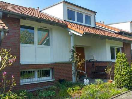 Schönes, modernes Reihenmittelhaus mit fünf Zimmern in Kirchrode