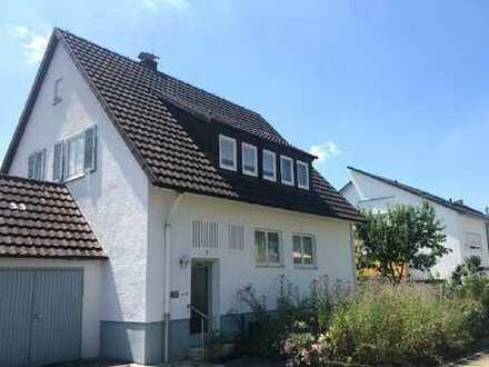 Preissenkung! Ein-/Zweifamilienhaus auf großem Grundstück in guter Lage von Dettingen