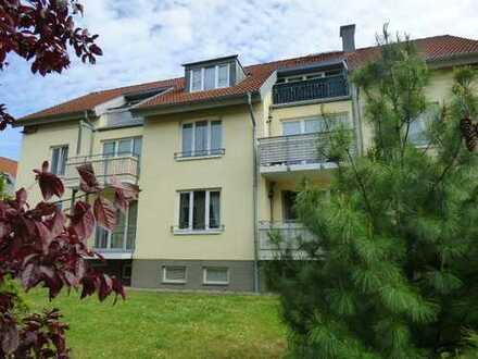 Nette Mieter gesucht - 3-Raum-Wohnung im OG mit Balkon im Wohnpark Domblick
