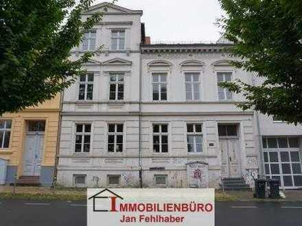 Frisch Renovierte 4-Zimmer-Wohnung mit Dielen in der Innenstadt Greifswalds