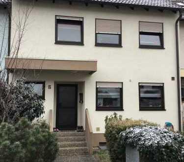 Schönes, geräumiges Haus mit vier Zimmern in Rhein-Pfalz-Kreis, Schifferstadt
