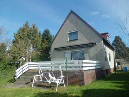 Ideal gelegenes 585 m² Grundstück in Kirchrode: bebaut mit Einfamilienhaus mit Vollkeller u. Garage!