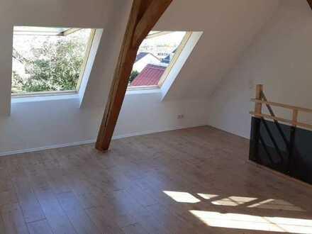 Liebhaberobjekt - Sehr schöne renovierte 3,5 Zimmer Wohnung, ruhig gelegen mit tollem Ausblick.