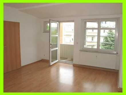 75 m² zum Wohnen, mit Laubengang/Balkon und PKW-Stellplatz