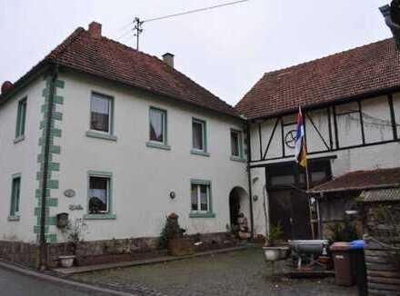 Einfamilienhaus mit großer Scheune und Werkstatt