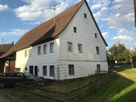 Bauernhaus mit großer Scheune in Hart