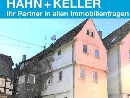 Achtung: Handwerker/ Bauträger & Sanierer aufgepasst! Mehrfamilienhaus mit Denkmalschutz!