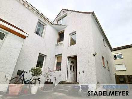 Eine Immobilie für Eigennutzer oder Kapitalanleger... 4-Familienhaus mit riesigem Nebengebäude